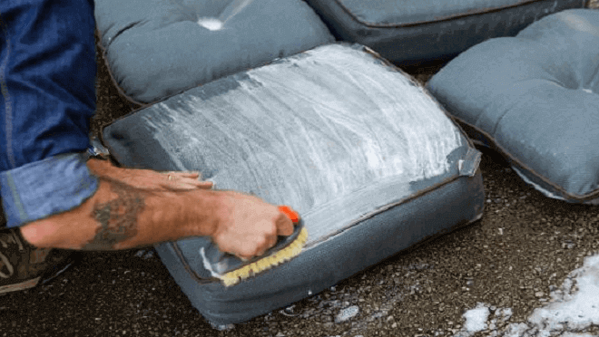 How to Clean Outdoor Cushions? 3